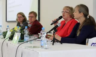 Prof. Ing. Zuzana Dvořáková, CSc., Daniela Kubíčková, Ing. Lenka Svobodová, Ing. Iveta Mlezivová (zleva)