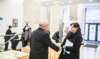 Ředitel VÚBP, v. v. i., Stanislav Malý vítá ministryni Michaelu Marksovou
