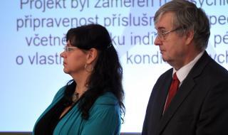ministryně Michaela Marksová a generální inspektor Rudolf Hahn